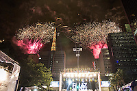 SAO PAULO, SP, 31.12.2013 - REVEILLON NA PAULISTA - Queima de Fogos durante 17ª edição do Réveillon na Paulista região central de São Paulo nesta quarta-feira (31). (Foto: Marcelo Brammer / Brazil Photo Press).