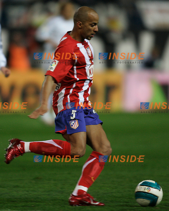 Atletico de Madrid's Peter Luccin during  the Spanish League match between Atletico de Madrid and Real Madrid at Vicente Calderon Stadium in Madrid, Saturday February 24 2007. (INSIDE/ALTERPHOTOS/B.echavarri).