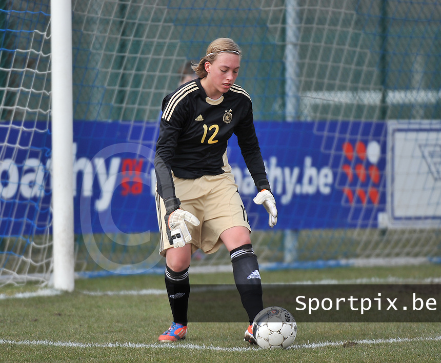 Belgie U17 - Duitsland U17 : Julia Gornowitz (GK).foto DAVID CATRY / Vrouwenteam.be