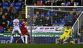 31st October 2017, Madejski Stadium, Reading, England; EFL Championship football, Reading versus Nottingham Forest; John Swift of Reading beats Jordan Smith of Nottingham Forest to score the first Reading goal