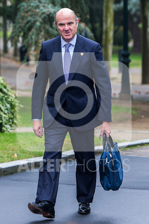 Spanish Minister of Economic Affairs, Industry and Competitiveness Luis de Guindos during the prensentation of Rajoy's New Government at Moncloa Palace in  Madrid, Spain. November 04, 2016. (ALTERPHOTOS/Rodrigo Jimenez)