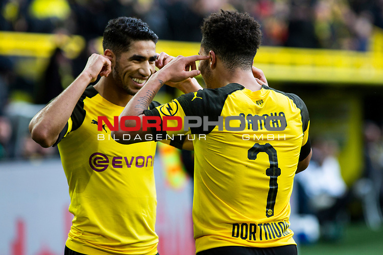 09.02.2019, Signal Iduna Park, Dortmund, GER, 1.FBL, Borussia Dortmund vs TSG 1899 Hoffenheim, DFL REGULATIONS PROHIBIT ANY USE OF PHOTOGRAPHS AS IMAGE SEQUENCES AND/OR QUASI-VIDEO<br /> <br /> im Bild | picture shows:<br /> Achraf Hakimi (Borussia Dortmund #5) jubelt mit Jadon Sancho (Borussia Dortmund #7) über dessen Treffer zum 1:0,  <br /> <br /> Foto © nordphoto / Rauch
