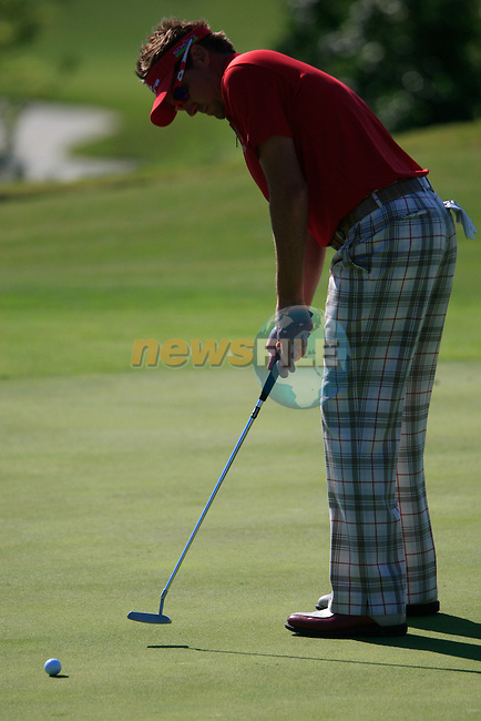 Ian Poulter (ENG) takes his putt on the 6th green during the morning session on Day 3 of the Volvo World Match Play Championship in Finca Cortesin, Casares, Spain, 21st May 2011. (Photo Eoin Clarke/Golffile 2011)