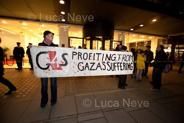 London, 20/11/2012. Today, activists targeted G4S London HQ. The protesters claimed that the British multinational security services company is involved in running checkpoints in Gaza and providing security equipment to the Israeli Defence Forces (IDF).