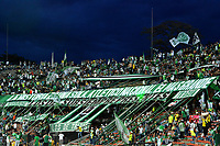 MEDELLÍN - COLOMBIA, 09-06-2018: Hinchas de Atlético Nacional, animan a su equipo, durante partido de vuelta de la final entre Atlético Nacional y Deportes Tolima, por la Liga Águila I 2018, jugado en el estadio Atanasio Girardot de la ciudad de Medellín. / Fans of Atletico Nacional, cheer for their team, during a match of the final of the second leg between Atletico Nacional and Deportes Tolima for the Aguila League I 2018, played at Atanasio Girardot stadium in Medellin city. Photo: VizzorImage / León Monsalve / Cont.