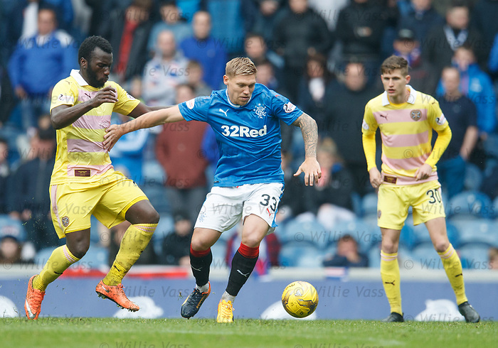 Isma Goncalves and Martyn Waghorn