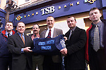 Donagh O'Brien and Darren Carney of T.S.B. Bank presenting the Louth/Meath Division of the Garda Siochana with kit bags. Pictured are from L/R, Garda Jim McComiskey, Donagh O'Brien, manager T.S.B., Drogheda, Sgt. Mick Cowley, Sgt. Kieran O'Halloran, Darren Carney , T.S.B. and Garda Mick Kelly..Picture Paul Mohan Newsfile