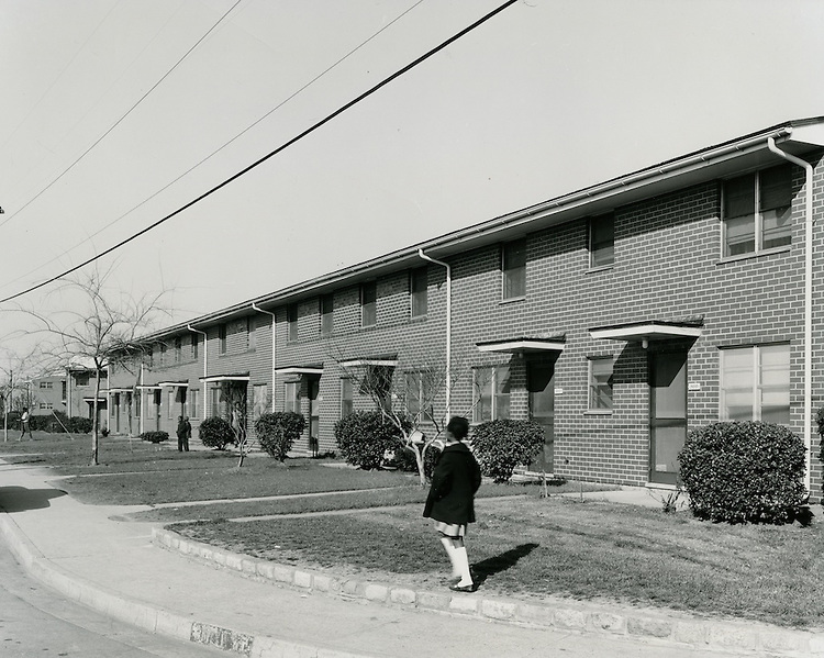 1964 March 19..Assisted Housing..Young Park..HAYCOX - R. V. Fishbeck.NEG# C64-329-1.NRHA# 3545..