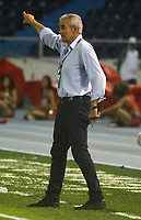 BARRANQUILLA  - COLOMBIA, 11-04-2018: Gregorio Pérez director técnico del Independente Santa Fe durante partido por la fecha 14 de la Liga Águila I 2018 conra el Atlético Junior , jugado en el estadio Metropolitano Roberto Meléndez de la ciudad de Barranquilla. / Gregorio Perez coach of  Independiente Santa Fe  during match agaisnt Atletico Junior  for the date 14 of the Aguila League I 2018 played at Metropolitano Roberto Melendez stadium in Barranquilla  city. Photo: VizzorImage/Alfonso Cervantes /Cont