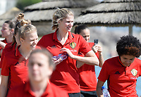 20180302 - LARNACA , CYPRUS :  Belgian Justine Vanhaevermaet pictured during a Muscular warm up training session on the beach before a women's soccer game between The Belgian Red Flames and Spain , on friday 2 March 2018 on the CTO Beach in Larnaca , Cyprus . The game will be the second game in group B for Belgium during the Cyprus Womens Cup , a prestigious women soccer tournament as a preparation on the World Cup 2019 qualification duels. PHOTO SPORTPIX.BE | DAVID CATRY