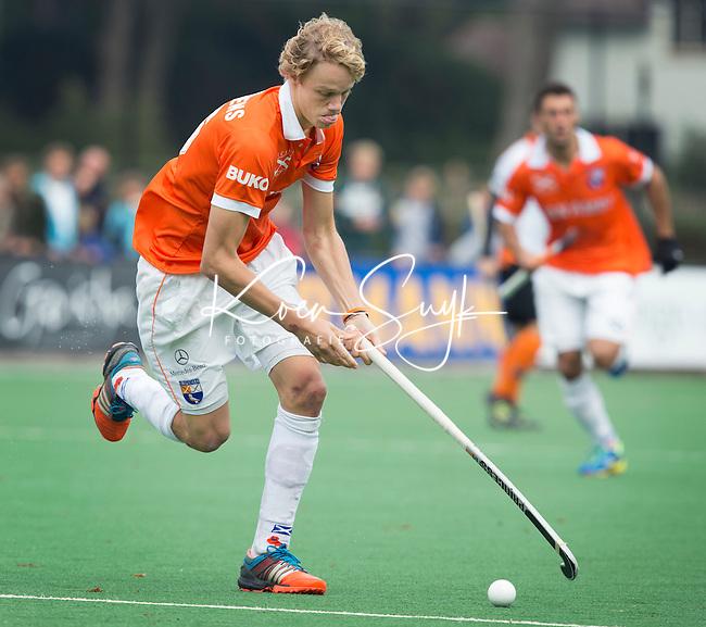 BLOEMENDAAL - Tim Jenniskens  van Bloemendaal tijdens  de wedstrijd tussen de mannen van Bloemendaal en Oranje-Zwart (1-2). Copyright Koen Suyk