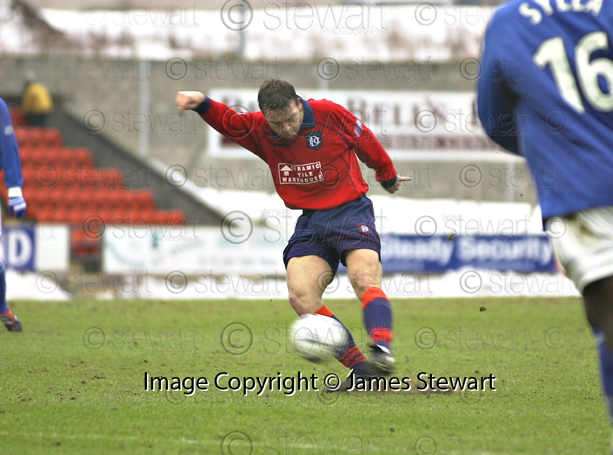 3rd March 2001    Copyright Pic : James Stewart .Ref :                           .File Name : stewart12-st johnstone v dundee.GAVIN RAE SCORES DUNDEE'S FIRST GOAL.......Payments to :-.James Stewart Photo Agency, Stewart House, Stewart Road, Falkirk. FK2 7AS      Vat Reg No. 607 6932 25.Office : +44 (0) 1324 630007        Mobile : 07721 416997.Fax     : +44 (0) 1324 630007.E-mail : jim@jspa.co.uk.If you require further information then contact Jim Stewart on any of the numbers above.........