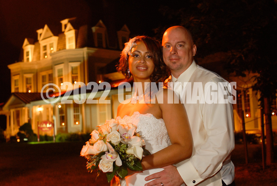 9/18/09 9:15:37 PM -- Vina & Jeff - September 18, 2009 - Langhorne, Pennsylvania (Photo by William Thomas Cain/cainimages.com)