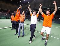 06-03-2005,Swiss,Freibourgh, Davis Cup , Swiss-Netherlands, het Nederlandse team viert feest nadat zij zich hebben geplaatst voor de Kwartfinale ten koste van Zwitserland