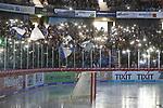 1. Advent beim Spiel in der DEL, Schwenninger Wild Wings (blau) - Krefeld Pinguine (weiss).<br /> <br /> Foto © PIX-Sportfotos *** Foto ist honorarpflichtig! *** Auf Anfrage in hoeherer Qualitaet/Aufloesung. Belegexemplar erbeten. Veroeffentlichung ausschliesslich fuer journalistisch-publizistische Zwecke. For editorial use only.