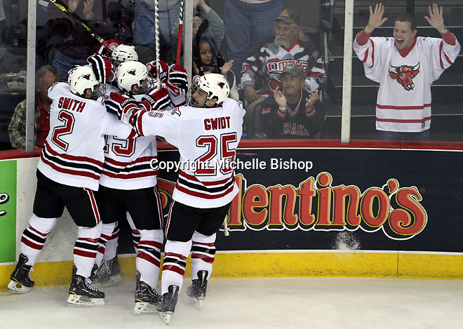 The UNO Mavericks celebrate Bryce Aneloski's goal in the first period of Friday night's game against MSU at Qwest Center Omaha. (Photo by Michelle Bishop)
