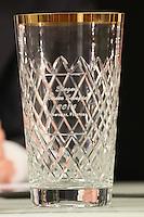 """Pokal des 2. Spiels des """"Hessen Schoppe"""", dem Derby zwischen den vier südhessischen American Football Zweitligisten in der Frankfurter Commerzbank Arena"""