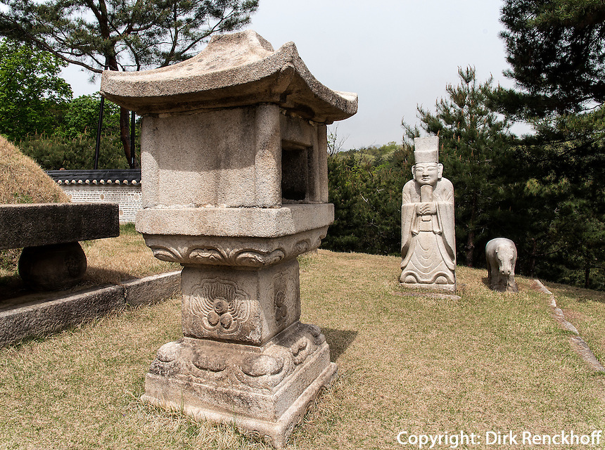 K&ouml;nigsgrab Jeongneung der Joseon-Dynastie Seoul, S&uuml;dkorea, Asien, UNESCO-Weltkulturerbe<br /> Royal tombJeongneung  of Joseon-dynasty,  Seoul, South Korea, Asia, Worl-heritage