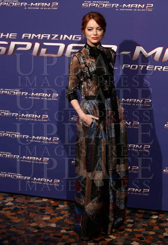 """L'attrice statunitense Emma Stone posa sul red carpet per l'anteprima del film """"The Amazing Spider-Man 2 - Il potere di Electro"""" a Roma, 14 aprile 2014.<br /> U.S. actress Emma Stone poses on the red carpet for the premiere of the movie """"The Amazing Spider-Man 2"""" in Rome, 14 April 2014.<br /> UPDATE IMAGES PRESS/Riccardo De Luca"""