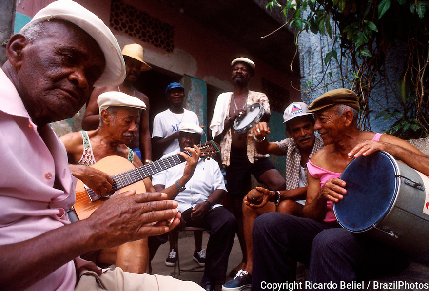 Roda de samba, meeting of samba singers and composers at Favela da Mangueira.