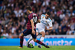 Daniel Ceballos Fernandez, D Ceballos (r), of Real Madrid battles for the ball with Joan Jordan Moreno of SD Eibar during the La Liga 2017-18 match between Real Madrid and SD Eibar at Estadio Santiago Bernabeu on 22 October 2017 in Madrid, Spain. Photo by Diego Gonzalez / Power Sport Images