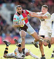 Aaron Morris of Harlequins fends Jack Willis of Wasps. Aviva Premiership match, between Harlequins and Wasps on February 11, 2018 at the Twickenham Stoop in London, England. Photo by: Patrick Khachfe / JMP