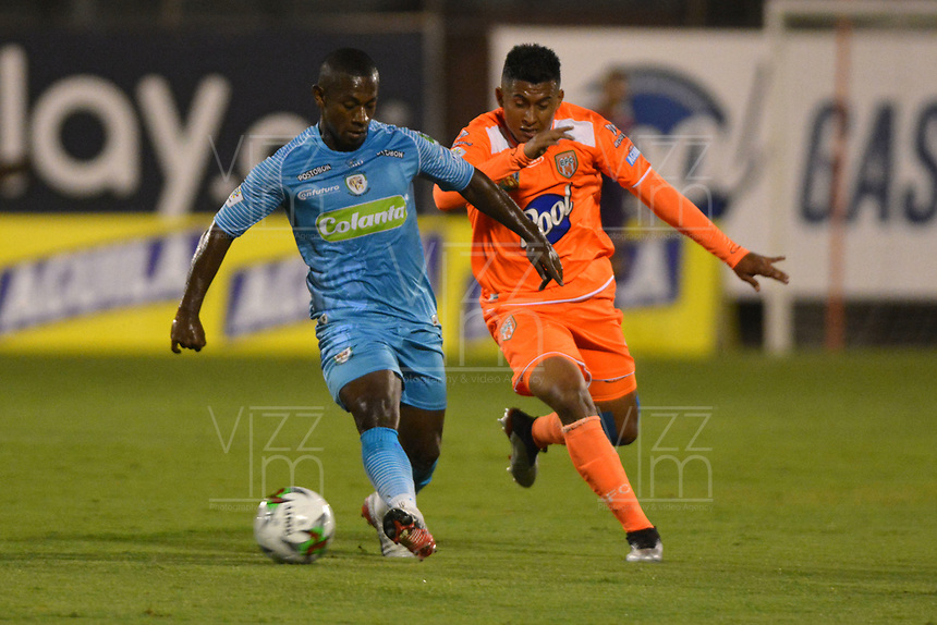 ENVIGADO- COLOMBIA, 08-10-2019.Acción de juego entre los equipos Envigado y Jaguares de Córdoba durante partido por la fecha 16 de la Liga Águila II 2019 jugado en el estadio Polideportivo Sur de la ciudad de Medellín. /Action game between teams  Envigado and Jaguares of Cordoba during the match for the date 16 of the Liga Aguila II 2019 played at Polideportivo Sur stadium in Medellin  city. Photo: VizzorImage / Leon Monsalve/ Contribuidor