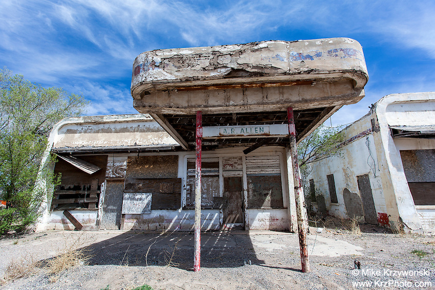 Abandoned Gas Station in Vaughn, NM