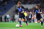 (L-R) Takashi Usami, Yuto Nagatomo (JPN), MARCH 29, 2016 - Football / Soccer : FIFA World Cup Russia 2018 Asian Qualifier Second Round Group E match between Japan 5-0 Syria at Saitama Stadium 2002 in Saitama, Japan. (Photo by Yohei Osada/AFLO SPORT)