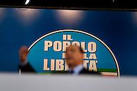 Berlusconi tiene il suo comizio ad una manifestazione del Popolo della Libertà