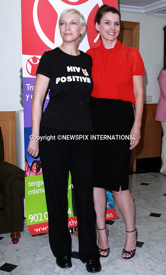 "ANNIE LENNOX AND JULIA ORMOND.presented ""Save the Children"" awards in Madrid_30/09/2009.Mandatory Credit Photo: ©NEWSPIX INTERNATIONAL..**ALL FEES PAYABLE TO: ""NEWSPIX INTERNATIONAL""**..IMMEDIATE CONFIRMATION OF USAGE REQUIRED:.Newspix International, 31 Chinnery Hill, Bishop's Stortford, ENGLAND CM23 3PS.Tel:+441279 324672  ; Fax: +441279656877.Mobile:  07775681153.e-mail: info@newspixinternational.co.uk"