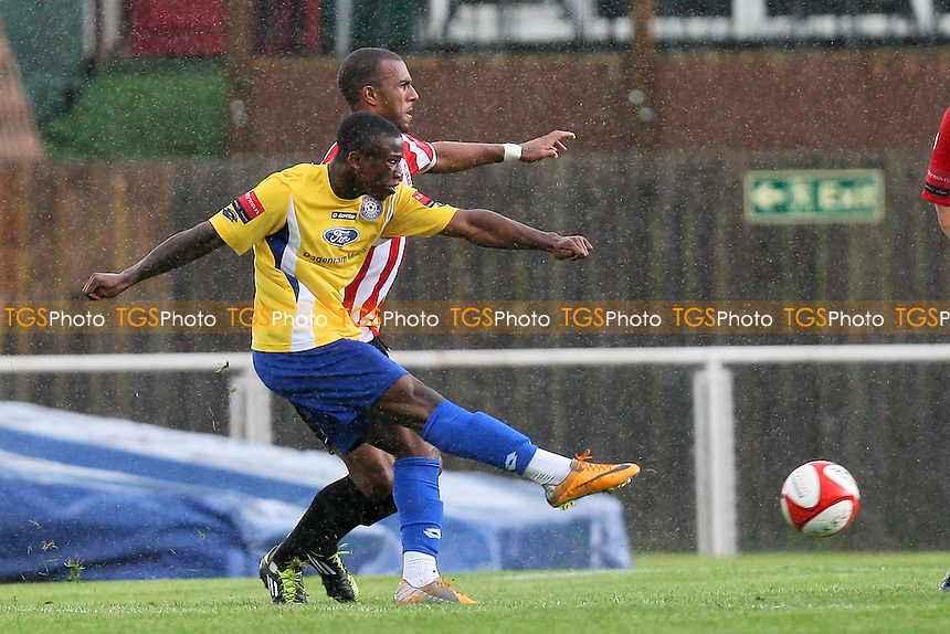 Kyle Asante scores the first goal for Concord - AFC Hornchurch vs Concord Rangers - FA Cup 1st Qualifying Round Football at The Stadium - 17/09/11 - MANDATORY CREDIT: Gavin Ellis/TGSPHOTO - Self billing applies where appropriate - 0845 094 6026 - contact@tgsphoto.co.uk - NO UNPAID USE.