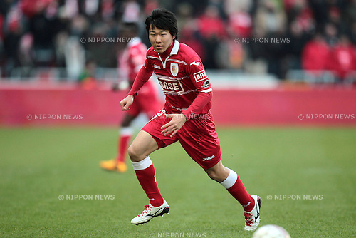 Kensuke Nagai (Standard),.FEBRUARY 10, 2013 - Football / Soccer :.Jupiler Pro League match between Standard de Liege 0-1 RAEC Mons at Stade Maurice Dufrasne in Liege, Belgium. (Photo by AFLO)