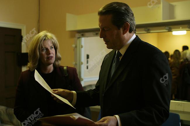 Al Gore with wife Tipper preparing for a MoveOn.org speech. DAR Constitution Hall, Washington, D.C., November 9, 2003