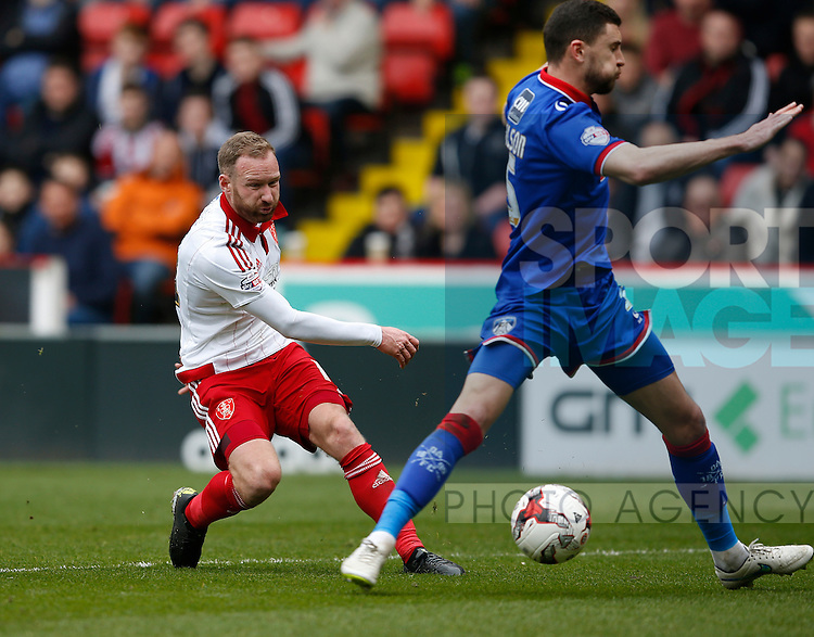 Matt Done of Sheffield Utd gets in a shot on goal during the Sky Bet League One match at The Bramall Lane Stadium.  Photo credit should read: Simon Bellis/Sportimage