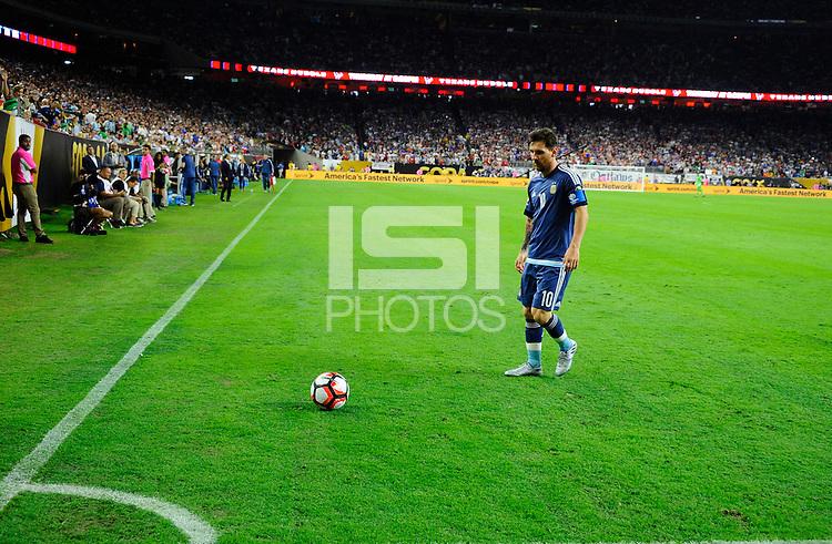 Action photo during the match Unitred States vs Argentina, Corresponding to the Semifinals of the America Cup Centenary 2016 at NRG Stadium.<br /> <br /> Foto  de accion durante el partido Estados Unidos vs Argentina, Correspondiente a la Semifinal de la Copa America Centenario 2016, en el Estadio NRG, en la foto: Lionel Messi de Argentina<br /> <br /> <br /> 21/06/2016/MEXSPORT/PHOTOGAMMA/Javier Gonzalez.