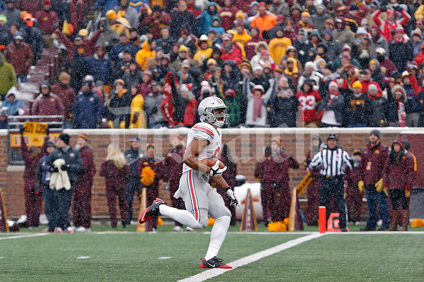 Ohio State Buckeyes wide receiver Evan Spencer (6) scores a touchdown after a catch against Minnesota Golden Gophers during the 4th quarter at TCF Bank Stadium in Minneapolis, Minn. on November 15, 2014.  (Dispatch photo by Kyle Robertson)