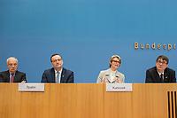 Bundesgesundheitsminister Jens Spahn (CDU), (2.vl.) und Bundesforschungsministerin Anja Karliczek (CDU), (2.vr.) stellten am Dienstag den 29. Januar 2019 in Berlin die &quot;Nationale Dekade gegen Krebs&quot; vor. Ziel sei, &quot;Krebserkrankungen moeglichst verhindern, Heilungschancen durch neue Therapien verbessern, Lebenszeit und -qualitaet von Betroffenen erhoehen&quot;.<br /> Links: Dr. h.c. Fritz Pleitgen, Praesident der Deutschen Krebshilfe.<br /> Rechts: Prof. Dr. Michael Baumann, Vorstandsvorsitzender des Deutschen Krebsforschungszentrums (dkfz).<br /> 29.1.2019, Berlin<br /> Copyright: Christian-Ditsch.de<br /> [Inhaltsveraendernde Manipulation des Fotos nur nach ausdruecklicher Genehmigung des Fotografen. Vereinbarungen ueber Abtretung von Persoenlichkeitsrechten/Model Release der abgebildeten Person/Personen liegen nicht vor. NO MODEL RELEASE! Nur fuer Redaktionelle Zwecke. Don't publish without copyright Christian-Ditsch.de, Veroeffentlichung nur mit Fotografennennung, sowie gegen Honorar, MwSt. und Beleg. Konto: I N G - D i B a, IBAN DE58500105175400192269, BIC INGDDEFFXXX, Kontakt: post@christian-ditsch.de<br /> Bei der Bearbeitung der Dateiinformationen darf die Urheberkennzeichnung in den EXIF- und  IPTC-Daten nicht entfernt werden, diese sind in digitalen Medien nach &sect;95c UrhG rechtlich geschuetzt. Der Urhebervermerk wird gemaess &sect;13 UrhG verlangt.]
