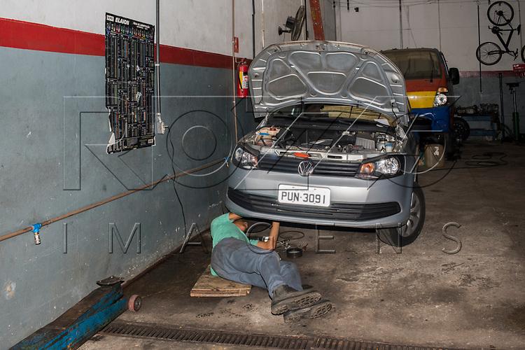 Oficina mecânica, São Paulo - SP, 11/2017.