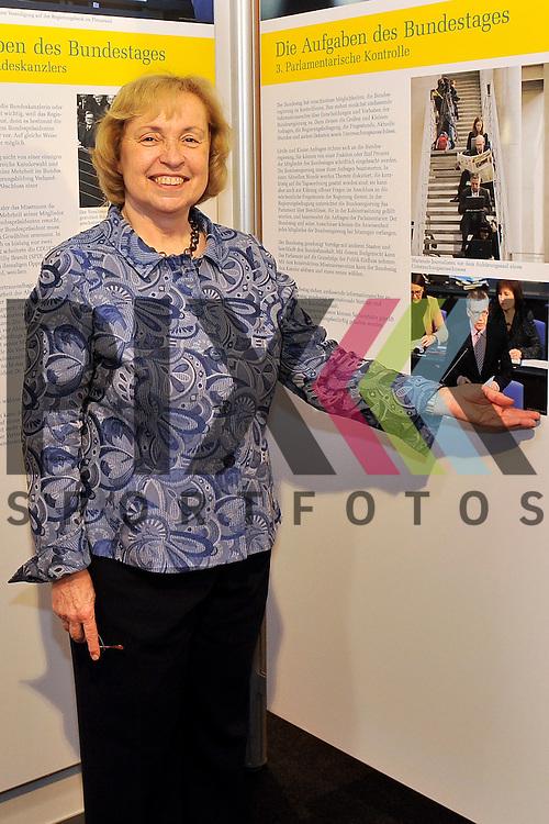 Ludwigshafen am Rhein 30.05.16 Prof. Dr. Maria Boehmer (Bundestag) bei der Eroeffnung der Ausstellung des Bundestag.<br /> <br /> Foto &copy; Ruffler *** Foto ist honorarpflichtig! *** Auf Anfrage in hoeherer Qualitaet/Aufloesung. Belegexemplar erbeten. Veroeffentlichung ausschliesslich fuer journalistisch-publizistische Zwecke. For editorial use only. (Bild ist honorarpflichtig - No Model Release!)