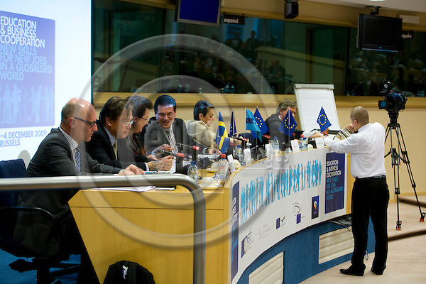 BRUSSELS - BELGIUM - 03 DECEMBER 2009 --  European Training Foundation (ETF) Education and Business Cooperation conference --. PHOTO: ERIK LUNTANG / EUP-IMAGES
