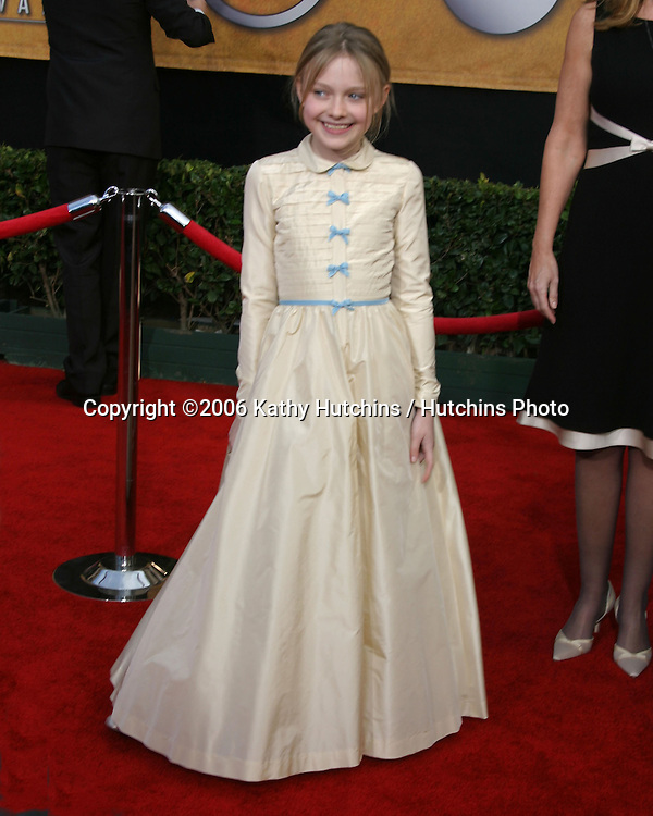 Dakota Fanning.12th Annual Screen Actors Guild  Awards.Shrine Auditorium.Los Angeles, CA.January 29, 2006.©2006 Kathy Hutchins / Hutchins Photo....