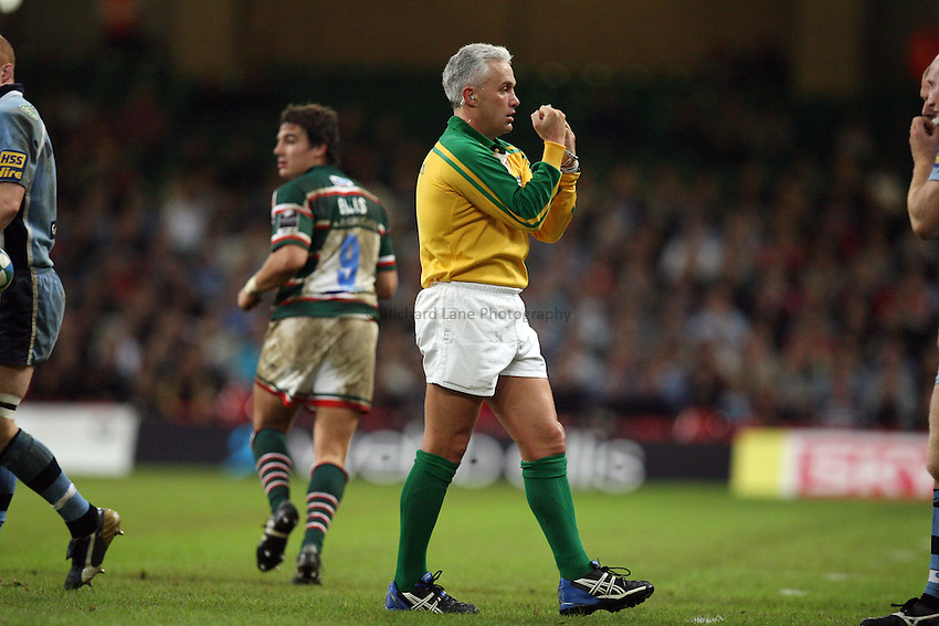 Photo: Rich Eaton...Cardiff Blues v Leicester Tigers. Heineken Cup. 29/10/2006. Referee Alan Lewis
