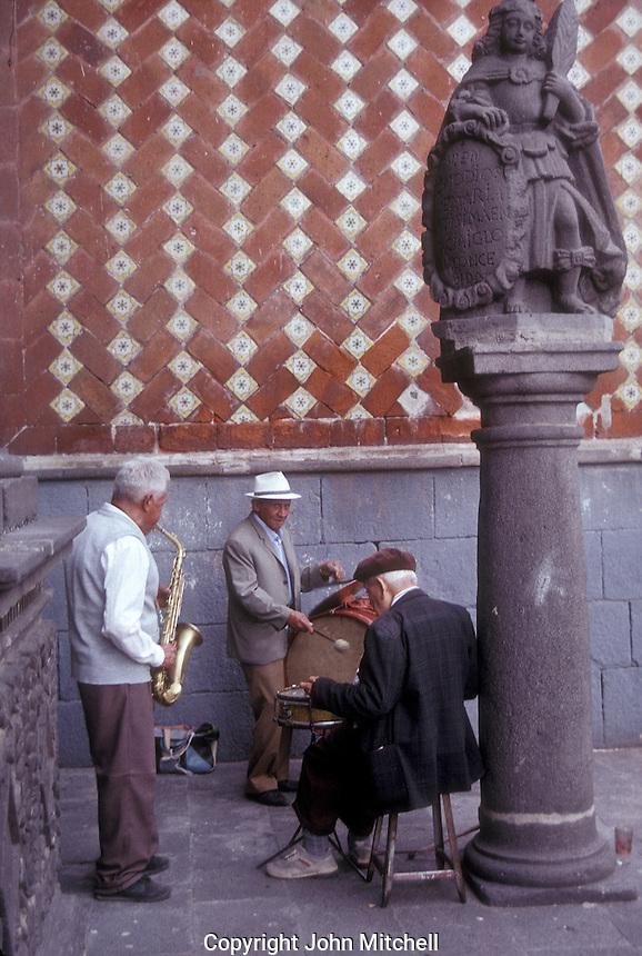 Elderly street musicians in the city of Puebla, Mexico