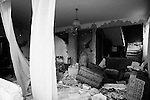EARTHQUAKE IN ABRUZZO: THE FIRST 72 HOURS..L'AQUILA, PAGANICA, ONNA..L'interno di un appartamento dopo la scossa.