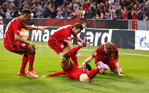 27.08.2014. Leverkusen, Germany. UEFA Champions League qualification match. Bayer Leverkusen versus FC Copenhagen.  Leverkusens Heung-Min Son celebrates scoring for 1:0 with teeammates