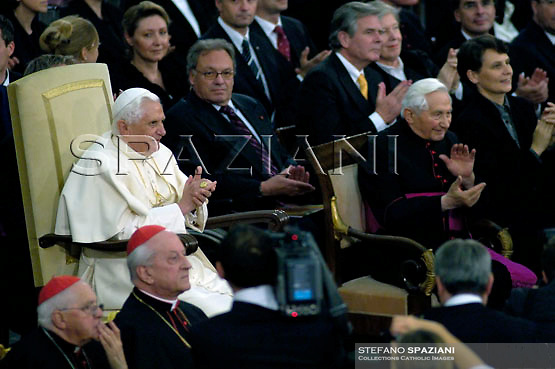 Pope Benedict XVI and his brother Georg, right, attend a concert by the Symphonic Orchestra Bayerischer Rundfunk and the Bamberger Symphoniker, at the Paul VI Hall at the Vatican, Saturday, Oct. 27, 2007.
