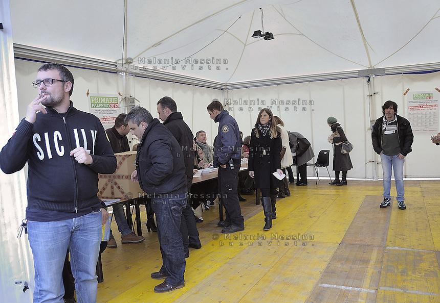 Palermo: gazebo per le primarie per la scelta del candidato a sindaco di Palermo del centrosinistra.