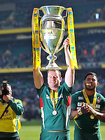 Geordan Murphy lifts the Aviva Premiership trophy in celebration. Aviva Premiership Final, between Leicester Tigers and Northampton Saints on May 25, 2013 at Twickenham Stadium in London, England. Photo by: Patrick Khachfe / Onside Images