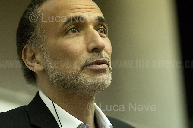 London, 11/05/2017. Today, the UCL (University College London) presented a public lecture &ndash; organised by the Department of Political Science - called &quot;Democracy in the Middle East - Implausible or Inevitable?&quot; hosted by Dr Tariq Ramadan (Swiss academic, philosopher and writer; he is the professor of Contemporary Islamic Studies in the Faculty of Oriental Studies at St Antony's College, Oxford, and also teaches at the Oxford Faculty of Theology; he is a visiting professor at the Faculty of Islamic Studies in Qatar, the Universit&eacute; Mundiapolis in Morocco and several other universities around world; he is the director of the Research Centre of Islamic Legislation and Ethics, CILE, based in Doha; He is a member of the UK Foreign Office Advisory Group on Freedom of Religion or Belief; he is President of the think tank European Muslim Network, EMN, in Brussels. He was elected by Time magazine in 2000 as one of the seven religious innovators of the 21st century and in 2004 as one of the 100 most influential people in the world. He is author of numerous books, the latest is called &quot;Islam: The Essentials&quot;). Chair of the event was Dr Melanie Garson (Teaching Fellow/Lecturer, International Security &amp; Conflict Resolution at UCL and Former Associate at Freshfields Bruckhaus Deringer). From the event online page: &lt;&lt; Dr Tariq Ramadan will be giving a lecture at UCL on the current political developments in the Middle East, covering the relationship between the West and Islam, the consequences of past interventions, the prevalence of authoritarianism in the Middle East, discussing the possibilities of the future for the Muslim societies, and ultimately, attempting to answer the question whether the process of democratisation in the Middle East is implausible or inevitable [&hellip;]&gt;&gt;.<br /> <br /> Here there are links to Info, podcast &amp; video of the lecture: http://bit.ly/2qeupNY &amp; coming soon<br /> <br /> Tariq Ramadan's webs